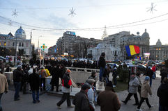 Protesta de Bucarest - cuadrado 18 de la universidad Imagen de archivo
