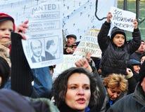 Protesta de Bucarest - cuadrado 7 de la universidad Imagen de archivo
