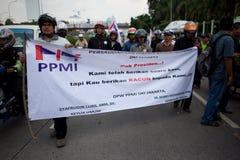 Protesta de la sociedad contra la subida del precio del petróleo Fotos de archivo libres de regalías