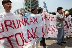 Protesta de la sociedad contra la subida del precio del petróleo Fotos de archivo