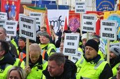 Protesta de los estibadores en el puerto de Oslo Imagen de archivo libre de regalías