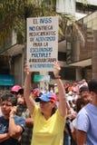 Protesta de los venezolanos sobre escaseces de la medicina Imágenes de archivo libres de regalías