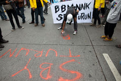 Protesta del estudiante contra la subida del precio del petróleo Imagen de archivo libre de regalías