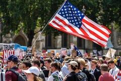Protesta di Anti-Donald Trump a Londra centrale immagine stock libera da diritti
