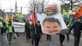 Protesta di curdi contro aggressione turca stock footage