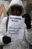 PROTESTA EFECTUADA SOMALIES CONTRA LEYES DANESAS DE LOS REFUGIADOS Fotos de archivo