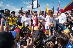 Protesta el SOS Venezuela imagenes de archivo