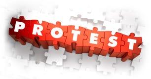 Protesta - palabra en rompecabezas rojos Fotografía de archivo libre de regalías