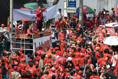 Protesta rossa della camicia - Bangkok immagine stock