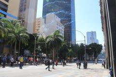 Protesta violenta contra el gobierno en Río céntrica Fotografía de archivo libre de regalías