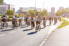 Protestacyjna przejażdżka cykliści przez ulic Belgrade 2 Zdjęcie Stock