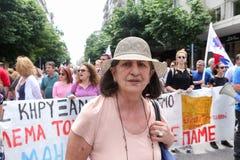 Protestadores durante uma greve geral nacional em Tessalónica Fotografia de Stock Royalty Free