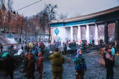 Protestadores na rua de Hrushevskogo em Kiev, Ucrânia Foto de Stock Royalty Free