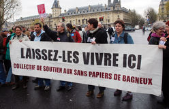 Protestas contra leyes inmigrantes francesas imagen de archivo libre de regalías