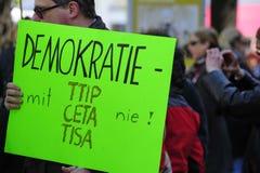 Protestas contra TTIP en ciudades austríacas Imagen de archivo