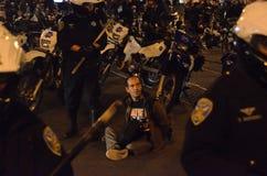 Protestas de la decisión de Ferguson en San Francisco Union Square Foto de archivo
