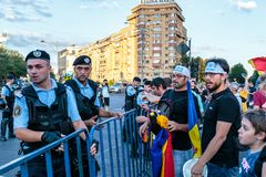 Protestas en Bucarest Rumania contra el gobierno corrupto - agosto/11/2018 imagenes de archivo