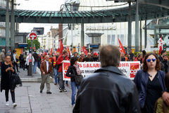 Protestataires bloquant le centre de la ville Image stock