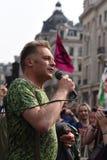 Protestataires de rébellion d'extinction d'adresse de Chris Packham chez Oxford Circus - photo Mike Best photo stock