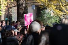 Protestation à Portland du centre, Orégon image stock