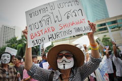 Protestation anti-gouvernement « de masque blanc » à Bangkok Image stock