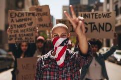 Protestation avec la paix et le silence photographie stock