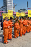 Protestation d'activistes d'Amnesty International chez Potsdamer Platz Image stock