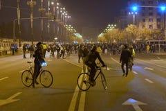 Protestation de Bucarest, modifiant les lois de la justice photo stock