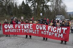 Protestation de canalisation de Kinder Morgan aujourd'hui, le 20 mars 2018 photographie stock libre de droits