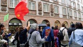Protestation de rue dans les Frances contre des réformes de macron banque de vidéos