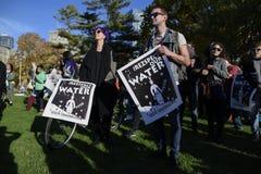 Protestation debout de roche à Toronto Photographie stock libre de droits