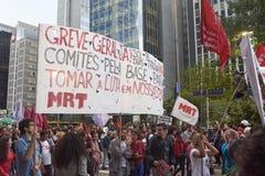 Protestation des travailleurs à Sao Paulo images stock