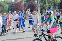 Protestation locale des disciples d'un programme local Antena 3 des actualités TV Photos libres de droits