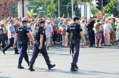 Protestation locale des disciples d'un programme local Antena 3 des actualités TV Photographie stock