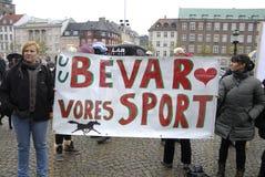 PROTESTATION PAR DES SPORTS DE CHEVAL Photographie stock libre de droits