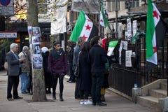 Protestation syrienne en dehors de l'ambassade russe Photos libres de droits