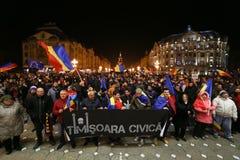 Protestations contre de nouvelles lois de justice dans Timisoara, Roumanie en janvier 2018 photographie stock