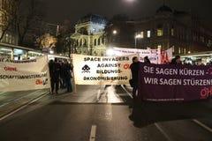 Protestations d'étudiant contre l'austérité Photographie stock