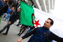 Protestations historiques en Algérie pour le changement photographie stock libre de droits