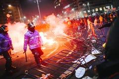 Protestations Roumanie photos stock
