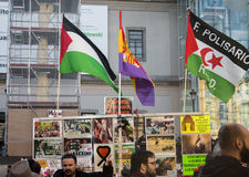 Proteste contra guerra siria, ES terrorismo e islamophobia en Europa, en el centro de ciudad de Madrid Fotografía de archivo