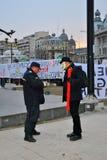Protesteerder die in Boekarest wordt gewettigd Royalty-vrije Stock Fotografie