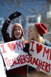 Protesteerders buiten het Capitool van Wisconsin stock fotografie