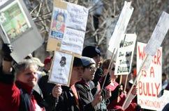 Protesteerders buiten het Capitool van Wisconsin stock foto
