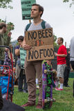 Protesteerders die in de straten tegen het Monsanto-bedrijf worden verzameld Royalty-vrije Stock Fotografie