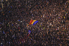 Protesten in Boekarest voor Colectiv-slachtoffers Royalty-vrije Stock Afbeeldingen