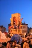 Protesten in het Vierkant van Turkije Taksim, Taksim-Vierkant, het Standbeeld van Atatà ¼ rk Stock Foto's