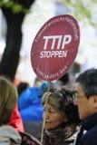 Protesten tegen TTIP in Oostenrijkse steden Stock Foto