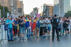 Protester i Bucharest Rumänien mot den korrumperade regeringen - Augusti/11/2018 Royaltyfria Foton