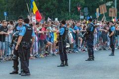 Protester i Bucharest Rumänien mot den korrumperade regeringen - Augusti/11/2018 Royaltyfria Bilder